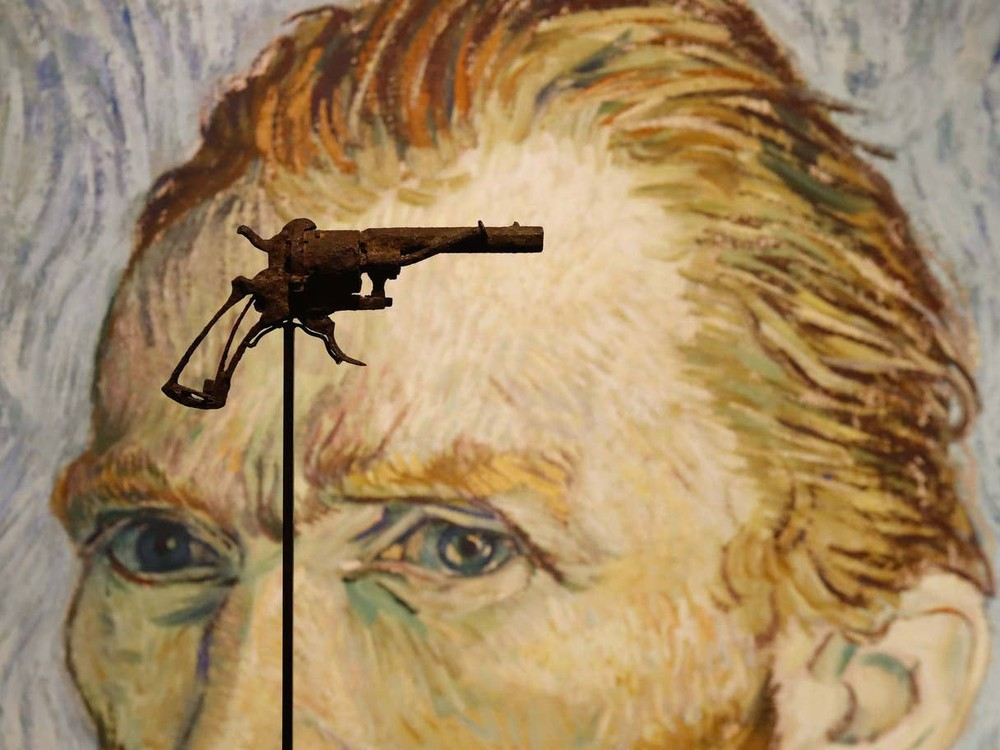 Surrealist Mexico, Van Gogh's Gun & More