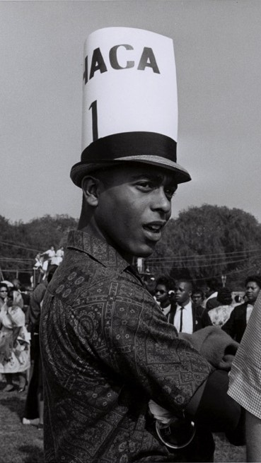 Marcher in Hat
