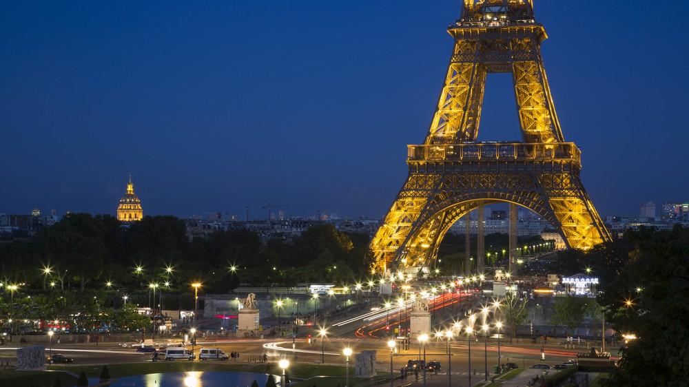 A Beautiful Night in Paris
