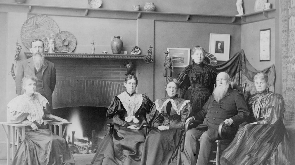 Portrait with Family in Studio